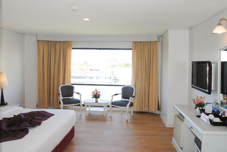 CH Hotel - Image 3