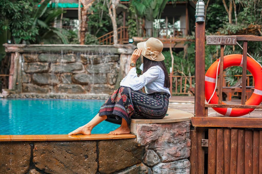 Ao Nang Cliff View Resort - Image 1
