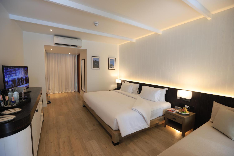 CELES Beachfront Resort Koh Samui - Image 1