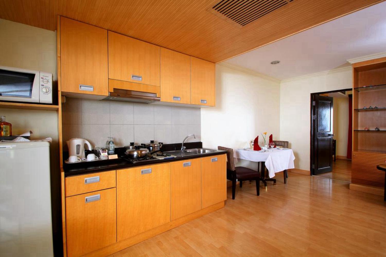 Princeton Bangkok Hotel - Image 1