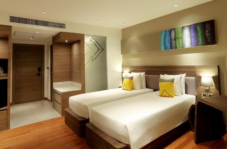 Novotel Phuket Karon Beach Resort and Spa - Image 1