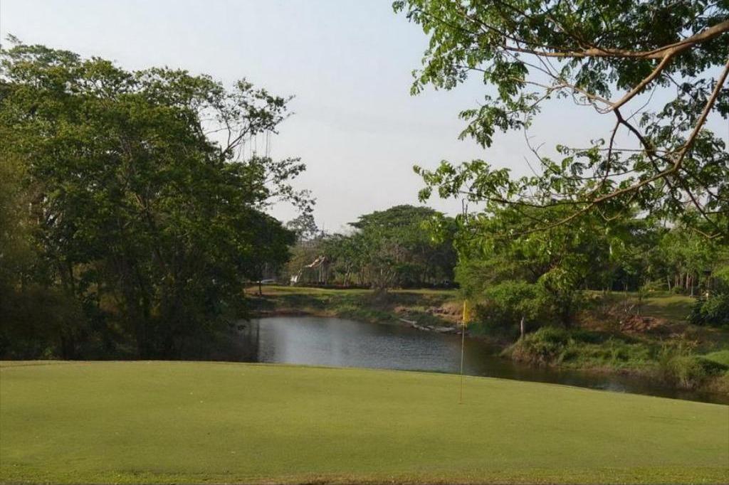 Huen Kam Fah Golf Resort