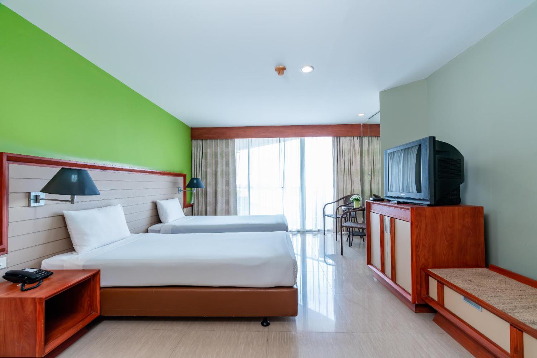 Long Beach Cha-Am Hotel - Image 0