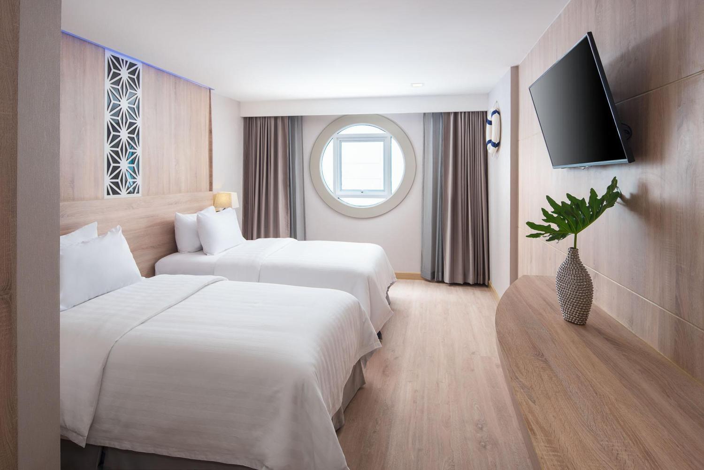 Rodina Beach Hotel - Image 1