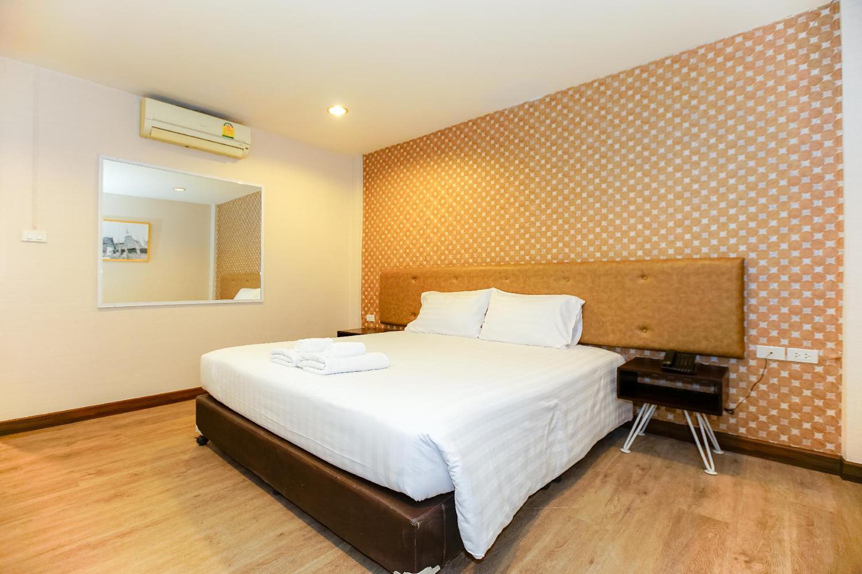 Parasol Inn Chiang Mai Old City Hotel - Image 1