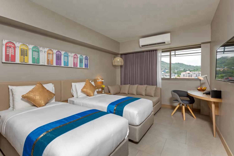 Oakwood Hotel Journeyhub Phuket - Image 4