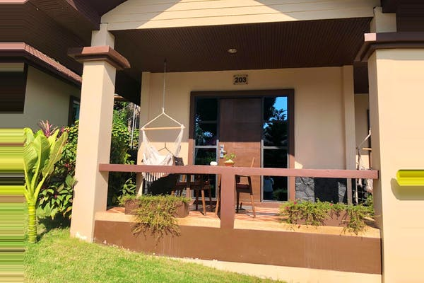 Royal Beach Boutique Resort and Spa - Image 1