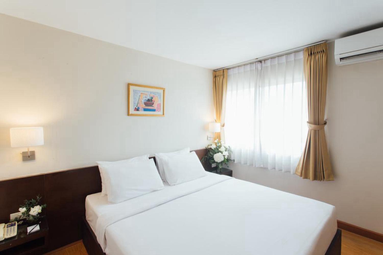 Seasons Siam Hotel - Image 3