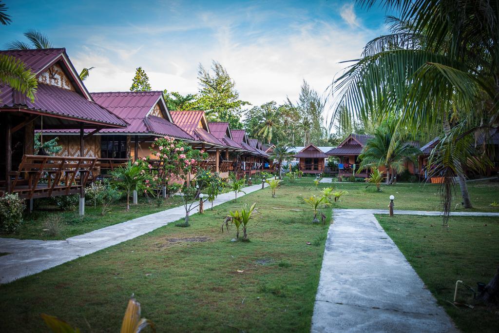 Lanta Pearl Beach Resort - Image 1