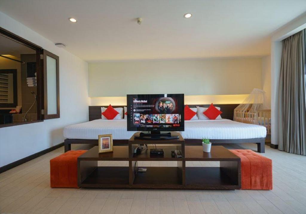Hotel J Pattaya (SHA Certified) - Image 4