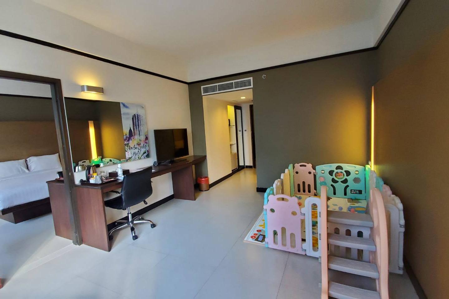 Ambassador Hotel Bangkok - Image 4