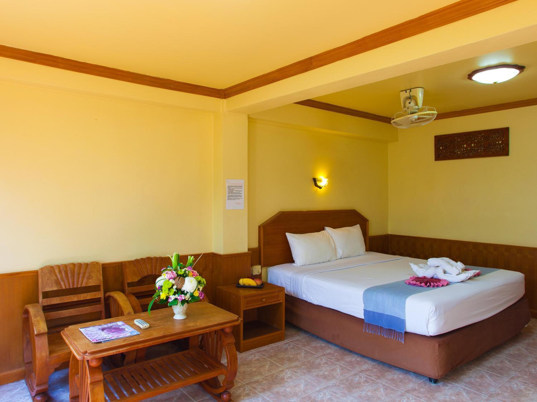 Haadyao Bayview Resort & Spa