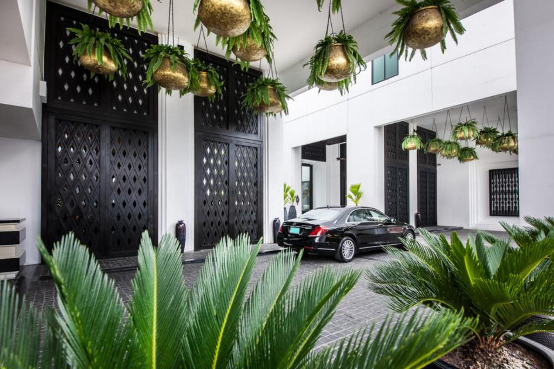 Mövenpick Hotel Sukhumvit 15 Bangkok - Image 2