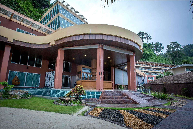 Phi Phi Cliff Beach Resort - Image 4