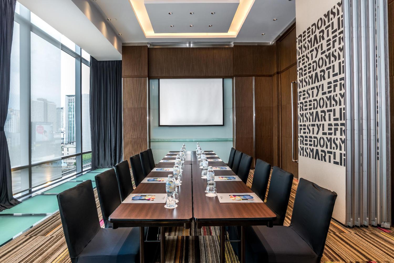 Novotel Bangkok Ploenchit Sukhumvit Hotel - Image 5