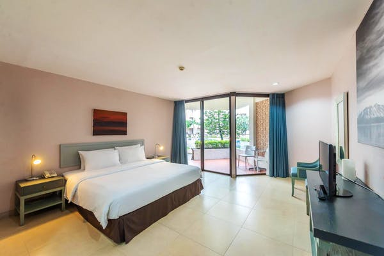 Tropicana Hotel - Image 2