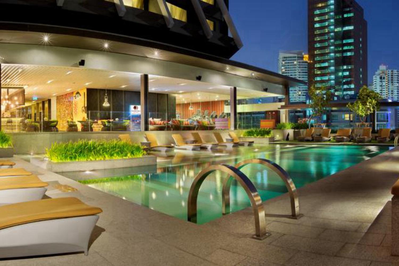 DoubleTree by Hilton Sukhumvit Bangkok - Image 0