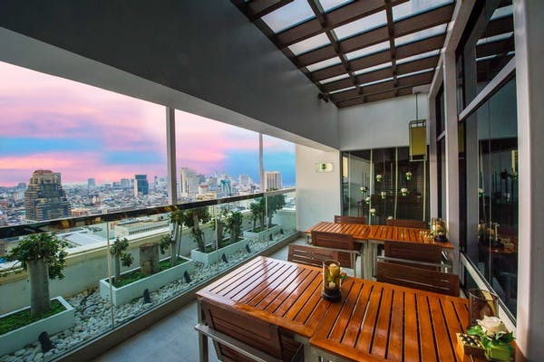 Holiday Inn Bangkok Silom - Image 4