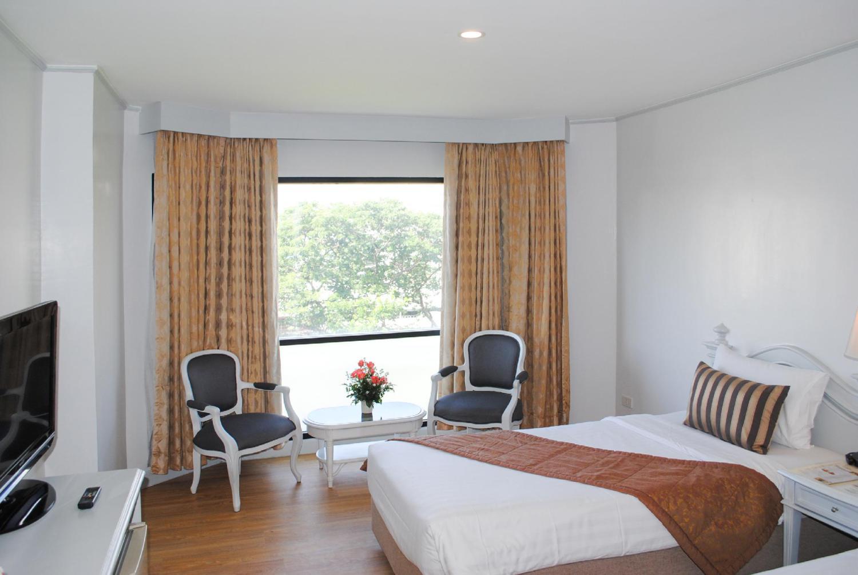 CH Hotel - Image 1
