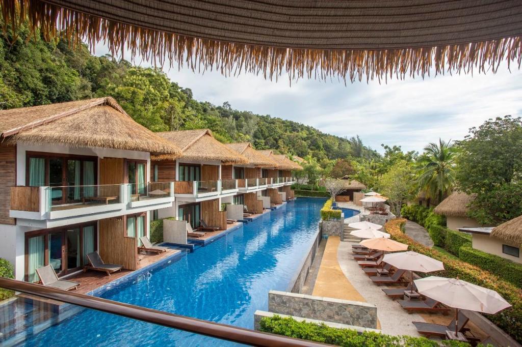 Tup Kaek Sunset Beach Resort - Image 1