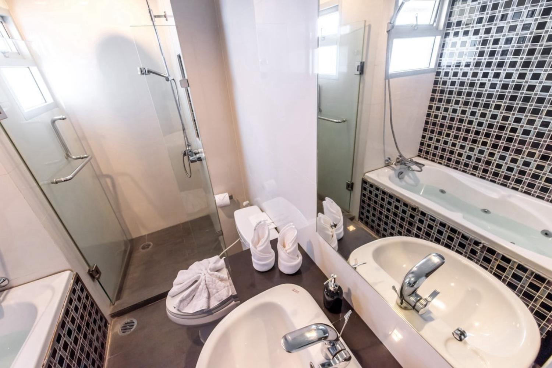 Bella B All Suites Hotel - Image 5