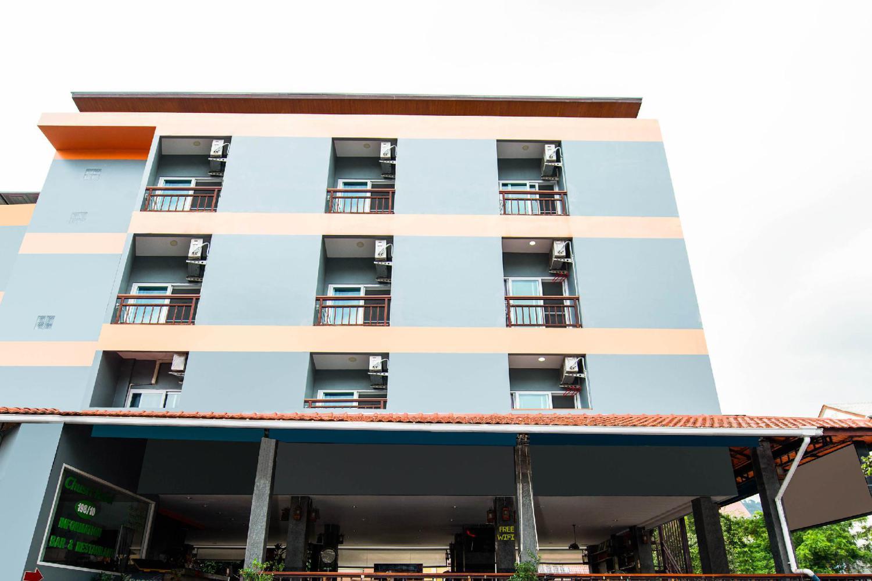 Chusri Hotel - Image 3