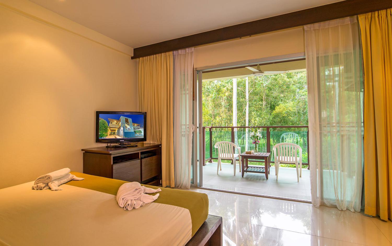 Lanta Pura Beach Resort - Image 4