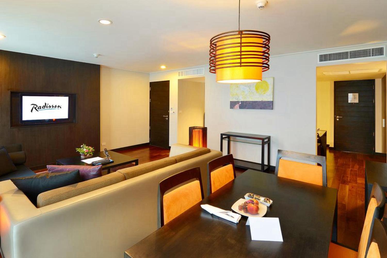 Radisson Suites Bangkok Sukhumvit - Image 5