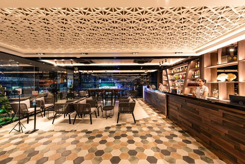 Blackwoods Hotel Pattaya - Image 1