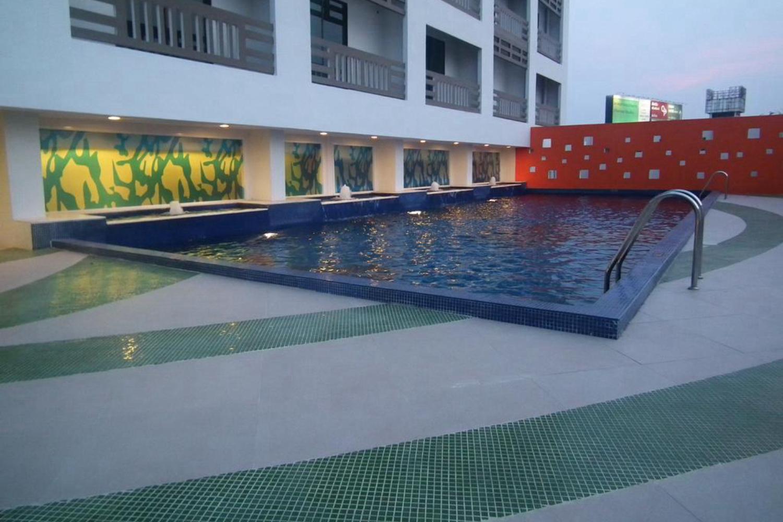 Maple Hotel - Image 2