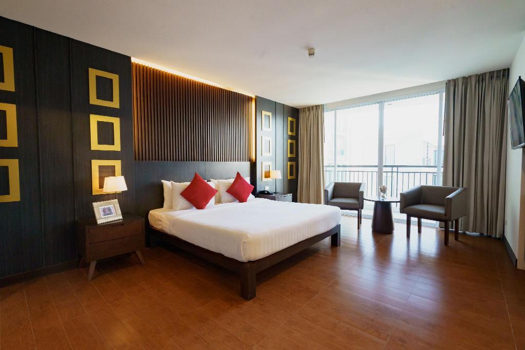 Hotel J Pattaya (SHA Certified) - Image 1