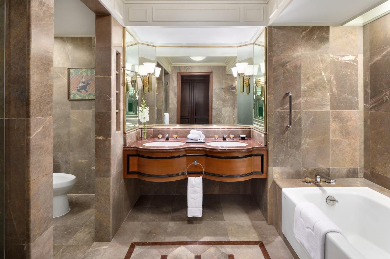 Shangri-La Hotel, Bangkok - Image 3