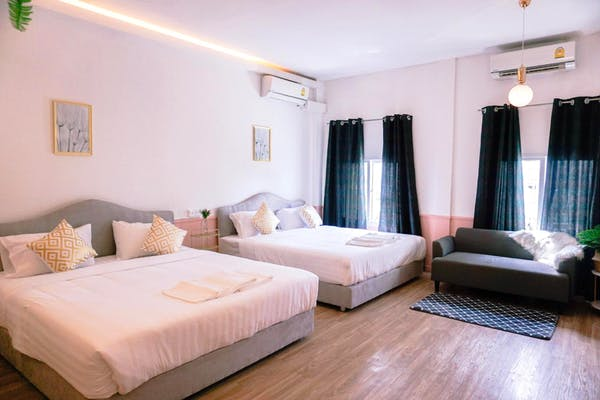 Isara Boutique Hotel and Cafe - Image 2