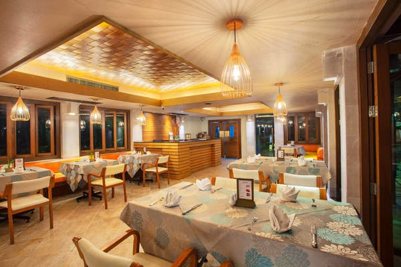 Seaview Patong Hotel - Image 5
