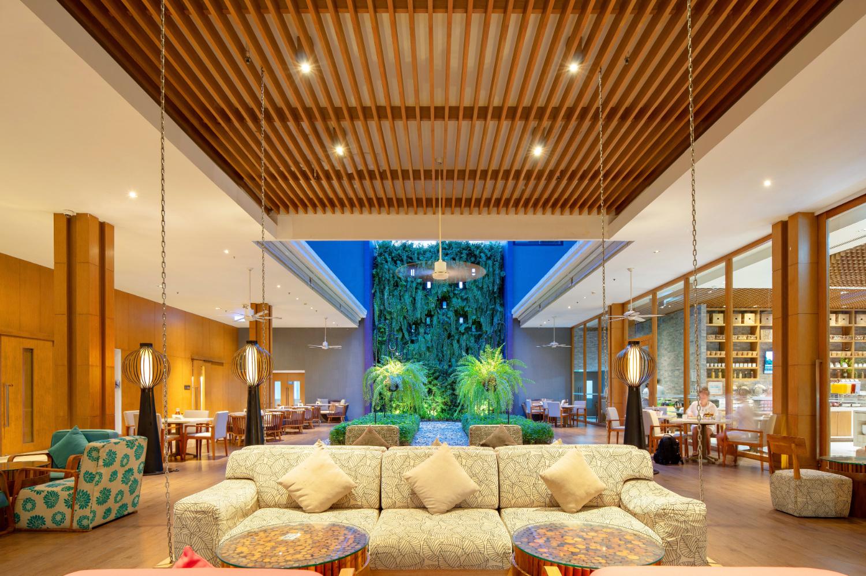 Holiday Inn Express Phuket Patong Beach - Image 1