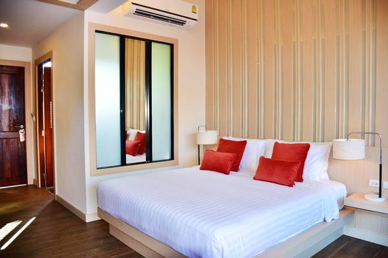 Lanta Sand Resort & Spa - Image 4
