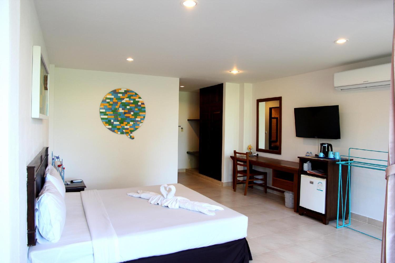 Karon Living Room Hotel - Image 3
