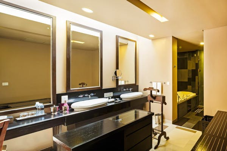 Impiana Resort Patong - Image 5