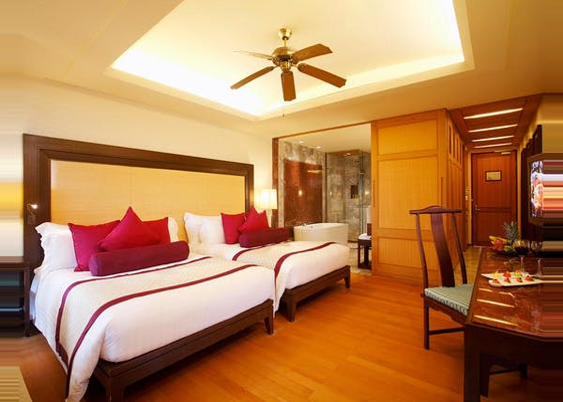 Centara Grand Beach Resort Phuket - Image 3