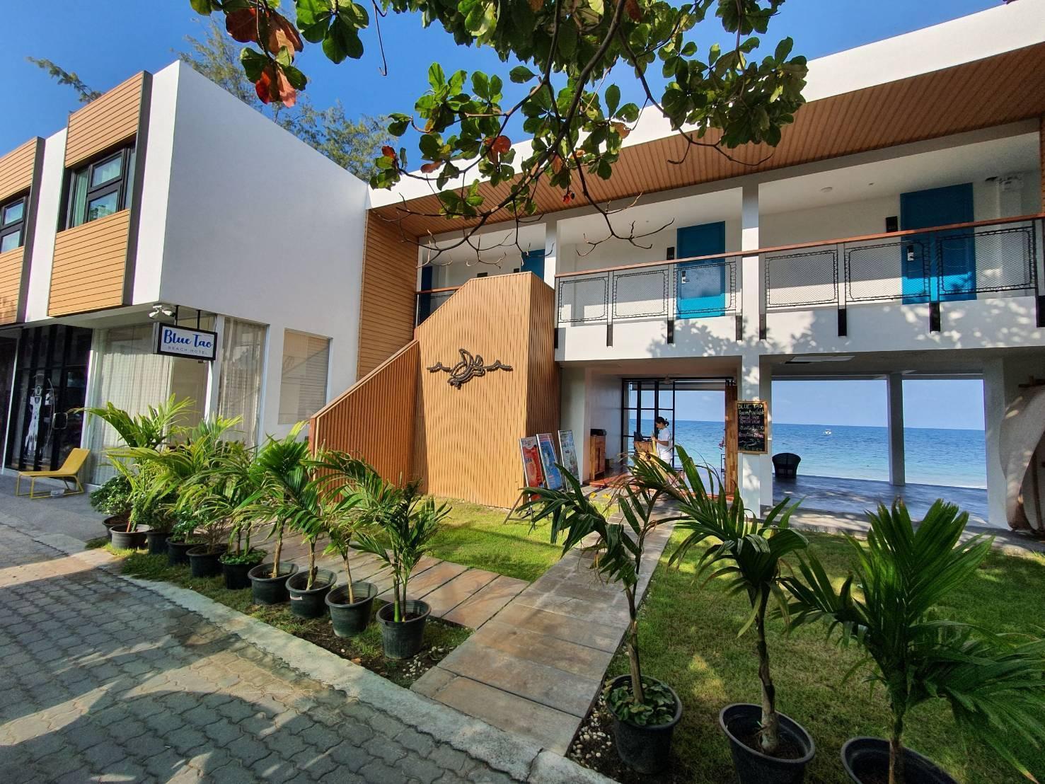 Blue Tao Beach Hotel - 1