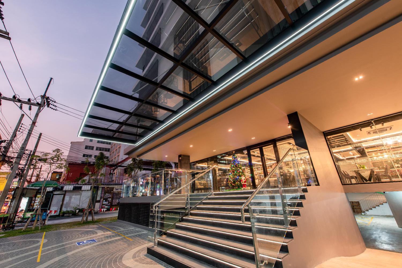 Blackwoods Hotel Pattaya - Image 0